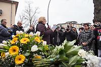 """Gedenken an Ehrenmord-Opfer Hatun Sueruecue in Berlin-Tempelhof am Dienstag den 7. Februar 2020.<br /> Die 21jaehrige Deutsch-Kurdin wurde am 7.2.2005 von ihrer Familie ermordet, weil sie sich nicht an die """"traditionellen Familienwerte"""" halten und ein selbsbestimmtes Leben fuehren wollte. Sie hat gegen den Willen Ihrer Familie ine Ausbildung zur Elektroinstallatoerin gemacht hat und mit ihrem unehelichen Kind.<br /> Der Mord wurde in Abstimmung mit der Familie von ihren Bruedern durchgefuehrt, als Taeter wurde der damals minderjaehriger Bruder vorgeschickt. Zwei Brueder fluechteten in die Tuerkei.<br /> Im Bild: Bezirksbuergermeisterin von Tempelhof-Schoeneberg, Angelika Schoettler (SPD)<br /> 7.2.2020, Berlin<br /> Copyright: Christian-Ditsch.de<br /> [NUR FUER REDAKTIONELLE ZWECKE! Werbung nur auf Anfrage beim Fotografen. Inhaltsveraendernde Manipulation des Fotos nur nach ausdruecklicher Genehmigung des Fotografen. Vereinbarungen ueber Abtretung von Persoenlichkeitsrechten/Model Release der abgebildeten Person/Personen liegen nicht vor. NO MODEL RELEASE! Don't publish without copyright Christian-Ditsch.de, Veroeffentlichung nur mit Fotografennennung, sowie gegen Honorar, MwSt. und Beleg. Konto: I N G - D i B a, IBAN DE58500105175400192269, BIC INGDDEFFXXX, Kontakt: post@christian-ditsch.de<br /> Bei der Bearbeitung der Dateiinformationen darf die Urheberkennzeichnung in den EXIF- und  IPTC-Daten nicht entfernt werden, diese sind in digitalen Medien nach §95c UrhG rechtlich geschuetzt. Der Urhebervermerk wird gemaess §13 UrhG verlangt.]"""