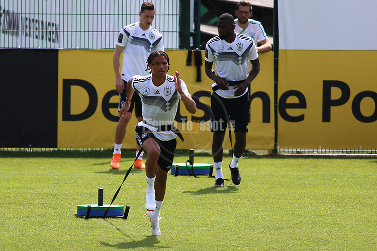 Leroy San&eacute; beim Training der DFB Nationalmannschaft im Trainingslager Eppan in S&uuml;dtirol im Rahmen der Vorbereitung f&uuml;r die WM in Russland.<br /> <br />  / 2652018<br /> <br /> ***Training session of the German national team at Sportanlage Rungg at the Southern Tyrol Training Camp, Eppan, Italy - 26 May 2018***