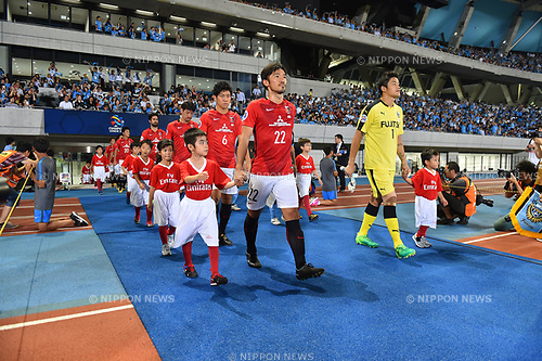 (C-R) Yuki Abe (Reds),  Jung Sung-Ryong (Frontale),<br /> AUGUST 23, 2017 - Football / Soccer :<br /> Yuki Abe of Urawa Reds leads his team out onto the pitch before the AFC Champions League Quarter-finals 1st leg match between Kawasaki Frontale 3-1 Urawa Red Diamonds at Todoroki Stadium in Kanagawa, Japan. (Photo by AFLO)