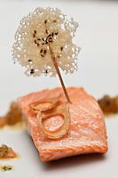 Europe/France/Rhone-Alpes/73/Savoie/Courchevel: Dos de saumon Salma, Sauce vierge Recette de Billal Amrani Hôtel-Restaurant La Sivolière