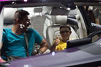 SAO PAULO, SP - 15.11.2016 - SALÃO-AUTOMÓVEL - Movimentação no Salão Internacional do Automóvel em São Paulo no expo Imigrantes na região sul da cidade de São Paulo nesta terça-feira,15. <br /> <br /> (Foto: Fabricio Bomjardim / Brazil Photo Press)