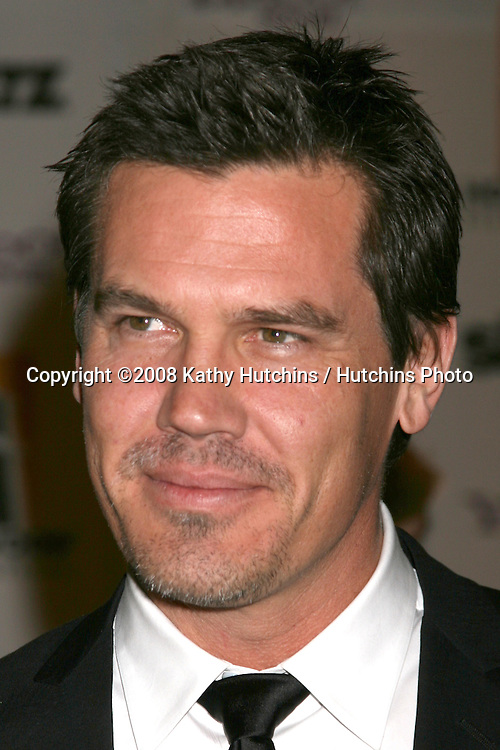 Josh Brolin  arriving to the Hollywood Film Festival Awards Gala at the Beverly Hilton Hotel in Beverly Hills, CA  on.October 27, 2008.©2008 Kathy Hutchins / Hutchins Photo...                .