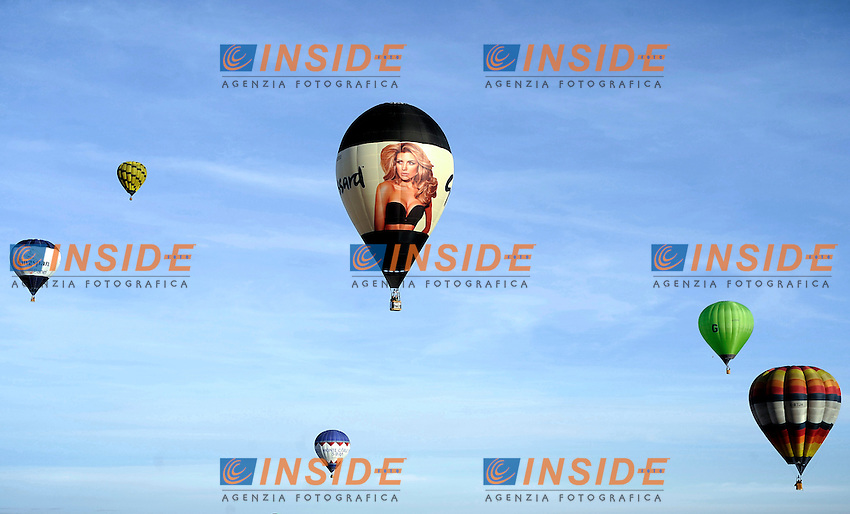 Mondovi' (CN), 06/01/2014 <br /> International balloon Rally<br /> Raduno internazionale di mongolfiere <br /> Giorgio Perottino / Insidefoto