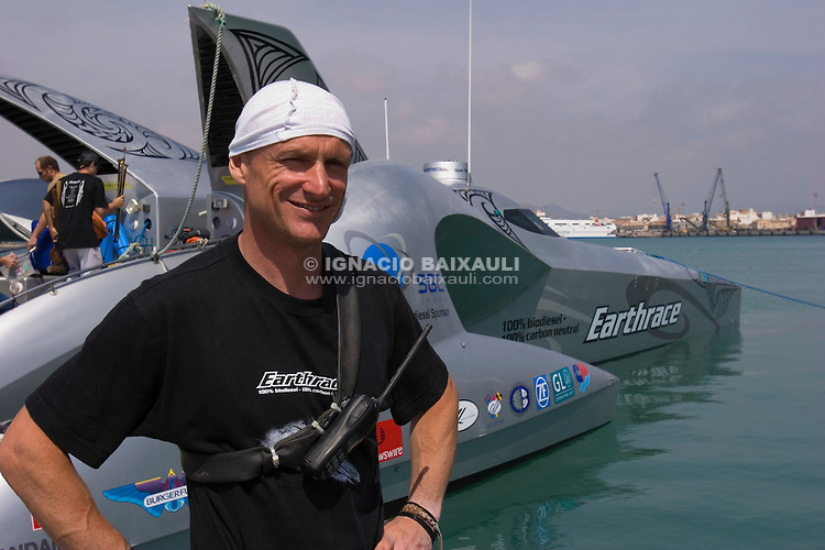 Pete Bethune - Skipper - Earthrace departure from Vulkan Shipyard, 21/1/2008 Puerto de Sagunto, Valencia, Spain