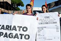 ROMA, 27 MAGGIO 2017<br /> Scontriniste<br /> Manifestazione per Salvare Alitalia e salvare l'Italia, promossa dai sindacati di base USB ,CUB, Cobas, contro licenziamenti, precariet&agrave; e le politiche sul lavoro del Governo