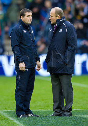 20.11.2010 International Rugby Union from Murrayfield Scotland v South Africa..Scotlands manafger Andy Robinson talks to referee Alain Rolland