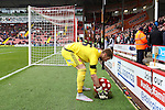Sheffield United's George Long places a wreath beside his goal - Sheffield United vs Coventry City - SkyBet League One - Bramall Lane - Sheffield - 13/12/2015 Pic Philip Oldham/SportImage