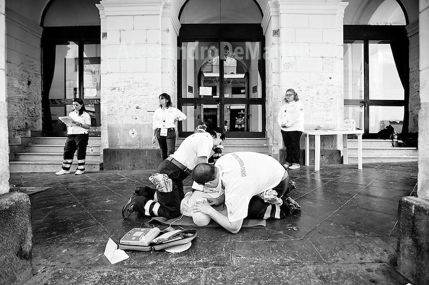 Benevento - XX Gara Nazionale di Primo Soccorso. La città nei giorni 20-21-22 settembre 2013 ha ospitato centinaia di volontari della Croce Rossa Italiana provenienti da tutto il Paese pronti a sfidarsi nelle tante simulazioni di pronto intervento.