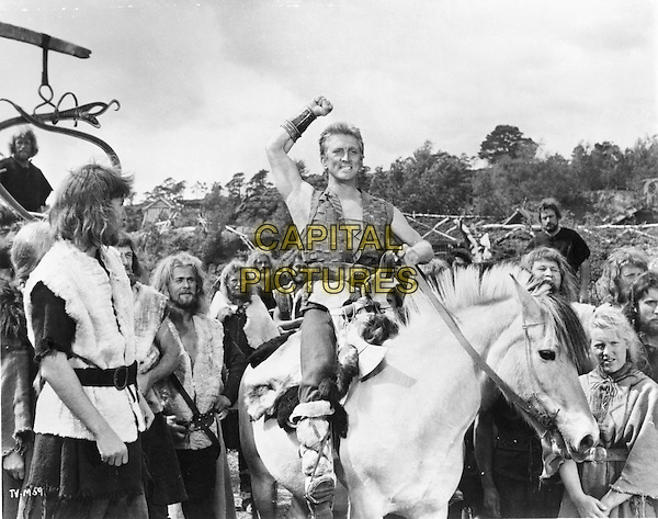 Kirk Douglas  .in The Vikings (1958) .*Filmstill - Editorial Use Only*.CAP/NFS.Supplied by Capital Pictures.
