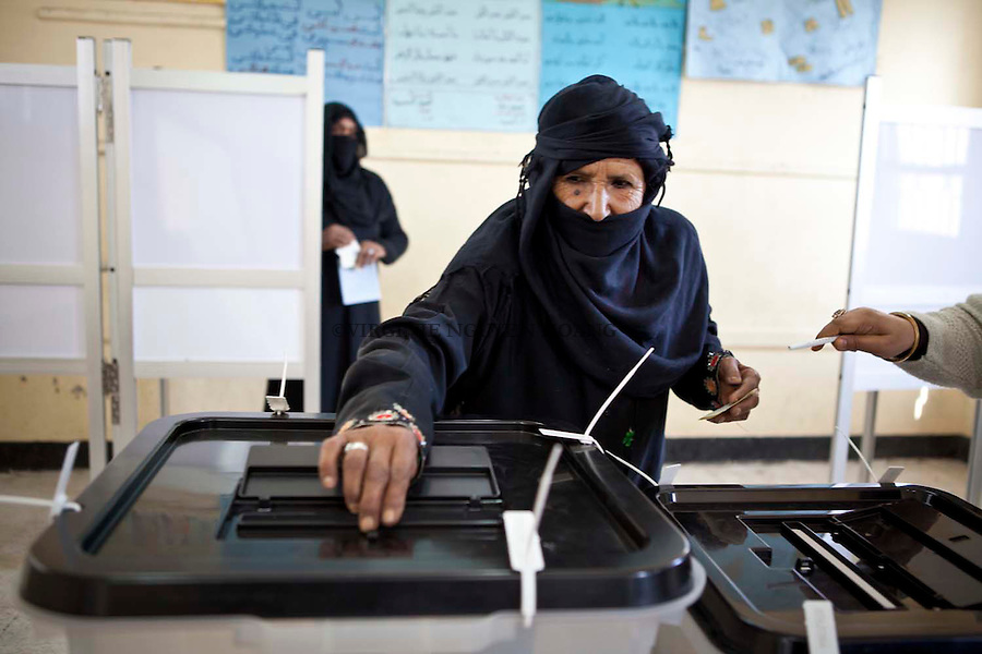 29/01/2012..About 25 million Egyptians are expected to cast their vote in the first post-Mubarak Shura Council (upper house) elections starting this Sunday morning....Plus de 25 millions d'Egyptiens sont attendu ce dimanche dans plusieurs régions d'Egypte afin de voter pour le nouveau Parlement.