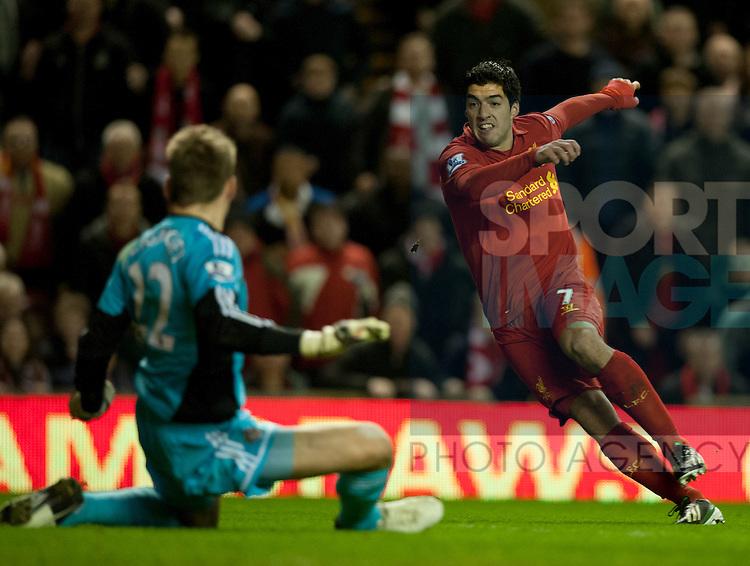 Luis Suarez of Liverpool scores the second goal - Barclays Premier League - Liverpool vs Sunderland - Anfield Stadium - Liverpool - 02/01/13 - Picture Simon Bellis/Sportimage