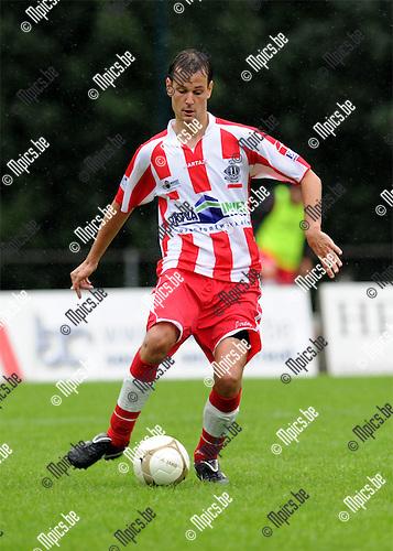 2011-07-16 / Voetbal / seizoen 2011-2012 / Hoogstraten VV / Nico Van der Linden..Foto: mpics