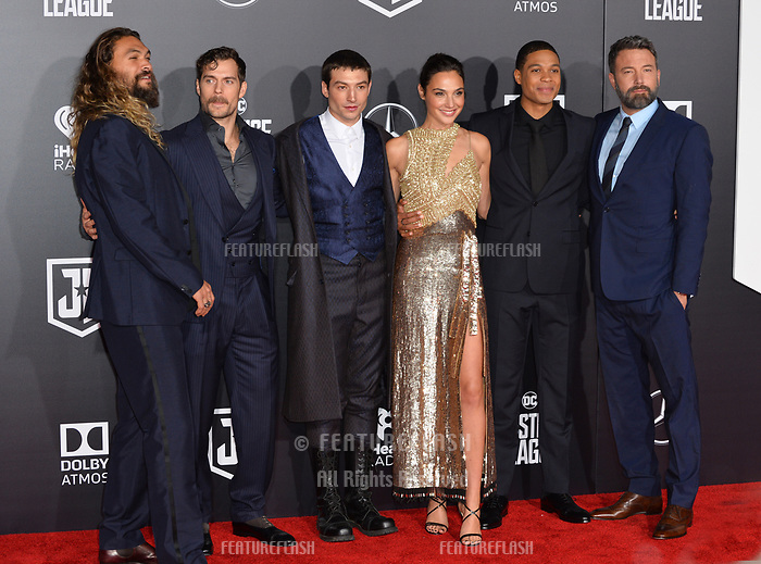 ason Momoa, Henry Cavill, Ezra Miller, Gal Gadot, Ray Fisher, Ben Affleck at the world premiere for &quot;Justice League&quot; at The Dolby Theatre, Hollywood. Los Angeles, USA 13 November  2017<br /> Picture: Paul Smith/Featureflash/SilverHub 0208 004 5359 sales@silverhubmedia.com
