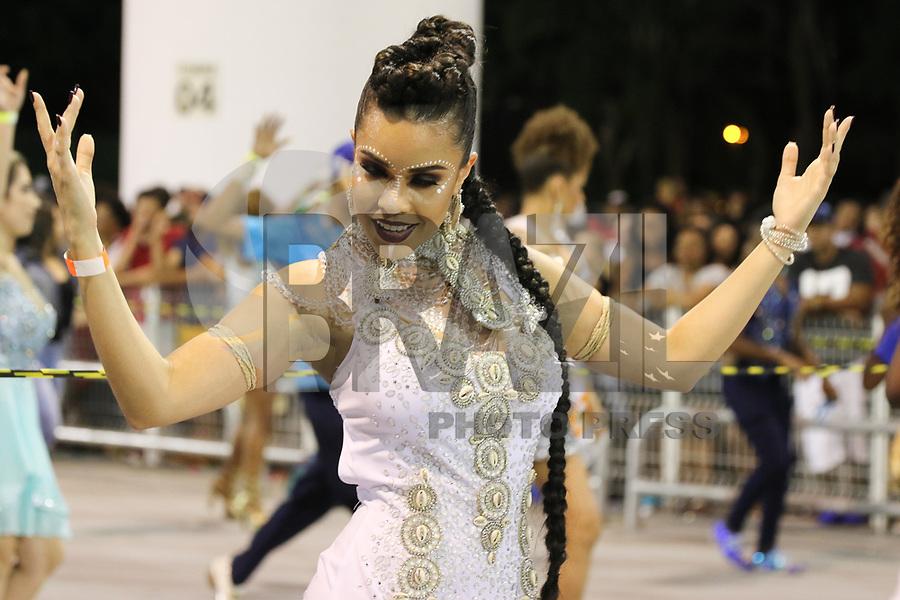 SAO PAULO, SP, 13.012018-CARNAVAL-SP - Ensaio técnico da escola de samba Rosas de Ouro para o Carnaval 2018, no Sambódromo do Anhembi em São Paulo (SP), neste sábado (13). (Foto: Paulo Guereta/Brazil Photo Press)