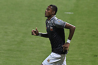 BOGOTA - COLOMBIA -14 -09-2016: Yairo Moreno jugador de Envigado FC celebra después de anotar un gol a Fortaleza CEIF durante por la fecha 12 de Liga Águila I 2016 jugado en el estadio Metropolitano de Techo en Bogotá. / Yairo Moreno player of Envigado FC celebrates after scoring a goal to Fortaleza CEIF during the match for the date 12 of the Aguila League II 2016 played at Metropolitano de Techo stadium in Bogota. Photo: VizzorImage / Gabriel Aponte / Staff.