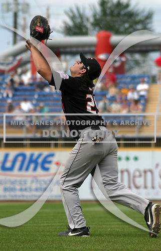 August 17, 2003:  Julio Reyes of the Kannapolis Intimidators during a game at Classic Park in Eastlake, Ohio.  Photo by:  Mike Janes/Four Seam Images