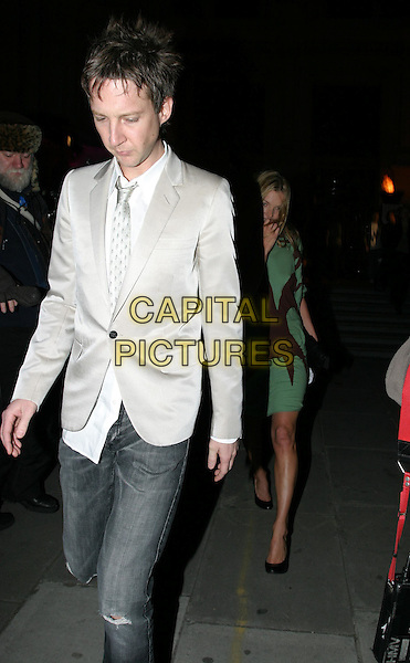 JEFFERSON HACK & KATE MOSS.Private view to open the V&A's major Westwood exhibition.30 March 2004.full length, full-length.www.capitalpictures.com.sales@capitalpictures.com.© Capital Pictures.
