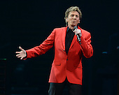 BARRY MANILOW (2014)