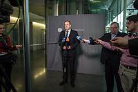 5. Sitzung des Unterausschusses des Verteidigungsausschusses des Deutschen Bundestag als 1. Untersuchungsausschuss am Donnerstag den 21. Maerz 2019.<br /> In dem Untersuchungsausschuss soll auf Antrag der Fraktionen von FDP, Linkspartei und Buendnis 90/Die Gruenen der Umgang mit externer Beratung und Unterstuetzung im Geschaeftsbereich des Bundesministeriums fuer Verteidigung aufgeklaert werden. Anlass der Untersuchung sind Berichte des Bundesrechnungshofs ueber Rechts- und Regelverstoesse im Zusammenhang mit der Nutzung derartiger Leistungen.<br /> Einziger Tagesordnungspunkt war die Konstituierung des Unterausschusses als Untersuchungsausschuss.<br /> Im Bild: Henning Otte, Obmann der Christlich Demokratischen Union, CDU.<br /> 21.3.2019, Berlin<br /> Copyright: Christian-Ditsch.de<br /> [Inhaltsveraendernde Manipulation des Fotos nur nach ausdruecklicher Genehmigung des Fotografen. Vereinbarungen ueber Abtretung von Persoenlichkeitsrechten/Model Release der abgebildeten Person/Personen liegen nicht vor. NO MODEL RELEASE! Nur fuer Redaktionelle Zwecke. Don't publish without copyright Christian-Ditsch.de, Veroeffentlichung nur mit Fotografennennung, sowie gegen Honorar, MwSt. und Beleg. Konto: I N G - D i B a, IBAN DE58500105175400192269, BIC INGDDEFFXXX, Kontakt: post@christian-ditsch.de<br /> Bei der Bearbeitung der Dateiinformationen darf die Urheberkennzeichnung in den EXIF- und  IPTC-Daten nicht entfernt werden, diese sind in digitalen Medien nach §95c UrhG rechtlich geschuetzt. Der Urhebervermerk wird gemaess §13 UrhG verlangt.]
