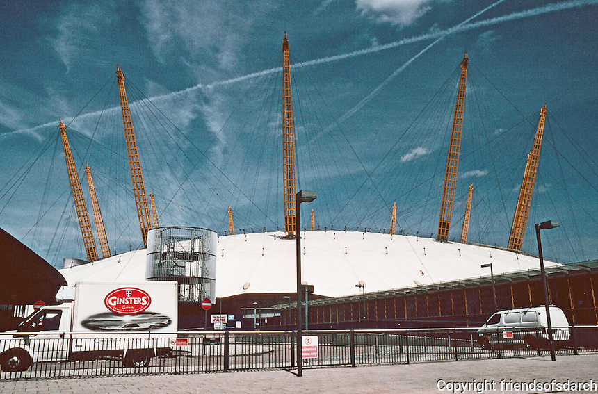 """London:  Millenium Dome, Richard Rodgers Partnership 1999.  """"At the present time...no plausible future.  Photo 2005."""