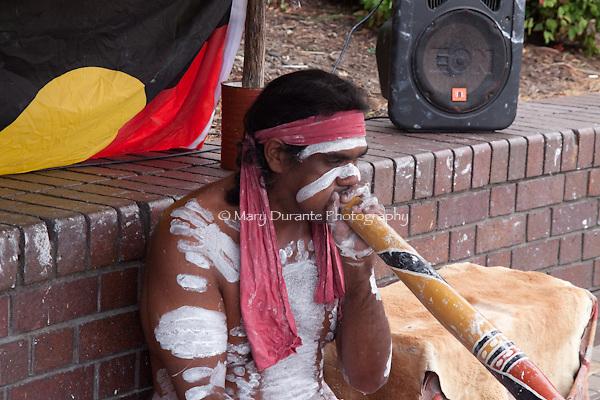 Aboriginie street performer