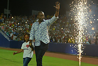 BARRANQUILLA-COLOMBIA- 31-05-2018: Edgar Renteria y su hija, Datanna Renteria durante la velada de apertura del estadio Edgar Renteria en la ciudad de Barranquilla, Colombia. / Edgar Renteria and his daughter Datanna Renteria during the opening night of the Edgar Renteria stadium in Barranquilla city. Photo: VizzorImage / Alfonso Cervantes / Cont
