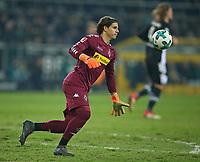 18.02.2018, Football 1. Bundesliga 2017/2018, 23.  match day, Borussia Moenchengladbach - Borussia Dortmund, Borussia-Park Moenchengladbach. goalkeeper Yann Sommer (Gladbach)  *** Local Caption *** © pixathlon<br /> <br /> Contact: +49-40-22 63 02 60 , info@pixathlon.de