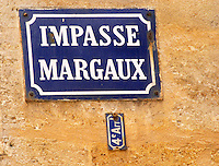 A street sign in Bordeaux saying Impasse Margaux (dead end street)
