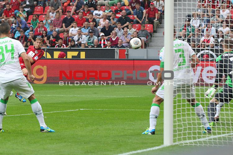 24.08.2013, BayArena, Leverkusen, GER, 1.FBL, Bayer Leverkusen vs Borussia Moenchengladbach, im Bild<br /> Stefan Kie&szlig;ling (Leverkusen #11) zieht ab<br /> <br /> Foto &copy; nph / Mueller