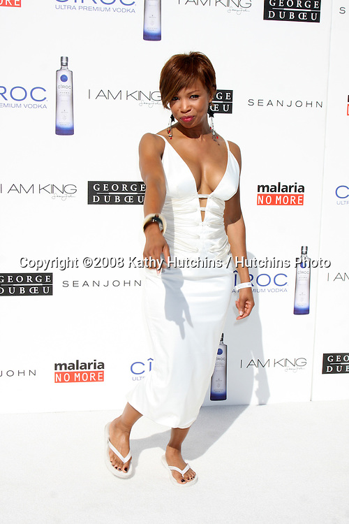 """Elise Neal  arriving at the White Party hosted by Sean """"Diddy"""" Combs & Ashton Kutcher in Beverly Hills, CA on July 4, 2009 .©2008 Kathy Hutchins / Hutchins Photo.."""