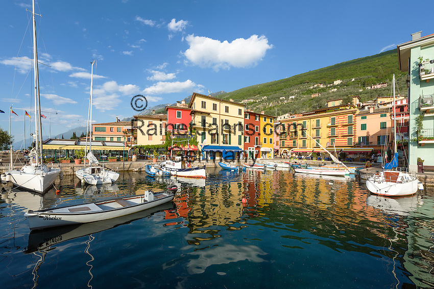Italy, Veneto, Lake Garda, Brenzone sul Garda: district Castelletto | Italien, Venetien, Gardasee, Brenzone sul Garda: Ortsteil Castelletto am Fusse des Monte Baldo