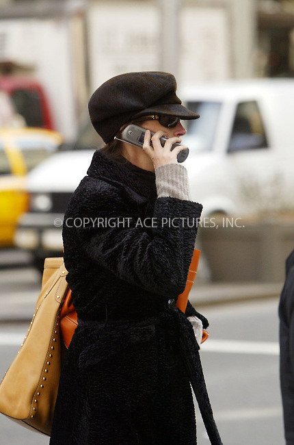 WWW.ACEPIXS.COM . . . . .  ....March 21 2006, New York City....Actress Julia Roberts wraps up warm and takes a stroll around her Park Avenue neighborhood.........Please byline: JENNIFER L GONZELES - ACEPIXS.COM.... *** ***   ***..For information contact:..Ace Pictures, Inc:  ..(212) 243-8787 or (646) 769 0430..e-mail: info@acepixs.com..web: http://www.acepixs.com