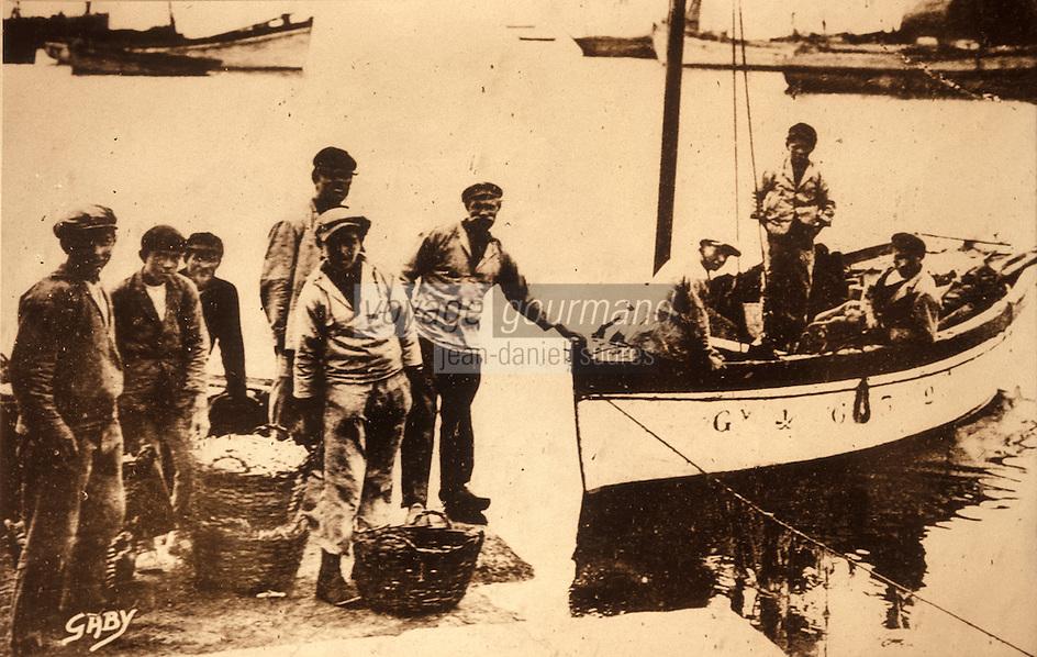 Europe/France/Bretagne/29/Finistère/Le Guilvinec: Débarquement des langoustines - Ancienne photographie vers 1935