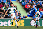 Jordan Moreno of SD Eibar (L) in action against Fayçal Fajr of Getafe CF (R) during the La Liga 2017-18 match between Getafe CF and SD Eibar at Coliseum Alfonso Perez Stadium on 09 December 2017 in Getafe, Spain. Photo by Diego Souto / Power Sport Images