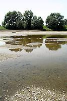 - the Po river near Cremona to the lowest historical levels for the exceptional drought....- il fiume Po nei pressi di Cremona ai minimi livelli storici per la siccità eccezionale