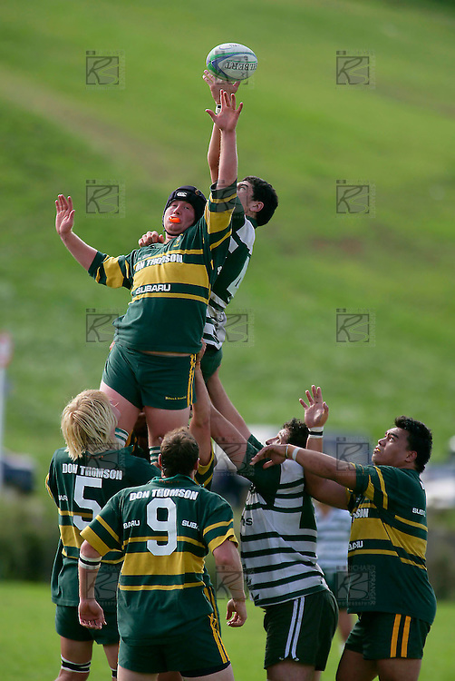 W. Crisp & J. Metcalf compete for the ball in a lineout.Counties Manukau Premier Club Rugby, Pukekohe v Manurewa  played at the Colin Lawrie field, on the 17th of April 2006. Manurewa won 20 - 18.