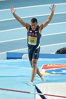 ISTAMBUL, TURQUIA, 10 DE MARCO 2012 - MUNDIAL DE ATLETISMO INDOOR -  Ashton Eaton atleta dos Estados Unidos compete no heptatlo masculino salto com vara no Campeonato Mundial de Atletismo Indoor na Atakoy Arena, em Istambul na Turquia, neste sabado, 10. (FOTO: BERND THISSEN / BRAZIL PHOTO PRESS).