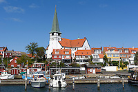 Fischereihafen und Nikolai-Kirche in R&oslash;nne, Insel Bornholm, D&auml;nemark, Europa<br /> Fishing port and Nikolai church, Roenne, Isle of Bornholm, Denmark