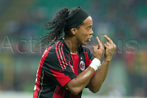 Ronaldinho (Milan) , AUGUST 22, 2010 - Football : Serie A 2010-2011, Luigi Berlusconi Trophy between A.C. Milan (4-5) Juventus at Meazza Stadium, Milan, Italy,