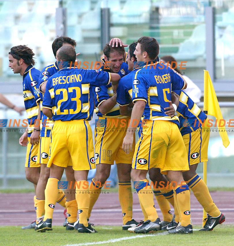 Roma 21/9/2003<br /> Lazio Parma<br /> Mark Bresciano (Parma) festeggiato dai compagni<br /> Foto Insidefoto
