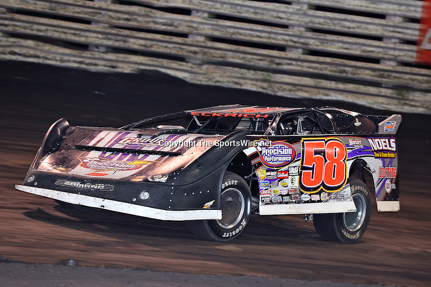 Sep 26, 2013; 7:23:46 PM; Knoxville, IA., USA; 10th Annual Lucas Oil Late Model Knoxville Nationals presented by Caseys General Stores at the Knoxville Raceway.  Mandatory Credit: (thesportswire.net)