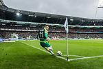 10.02.2019, Weserstadion, Bremen, GER, 1.FBL, Werder Bremen vs FC Augsburg<br /><br />DFL REGULATIONS PROHIBIT ANY USE OF PHOTOGRAPHS AS IMAGE SEQUENCES AND/OR QUASI-VIDEO.<br /><br />im Bild / picture shows<br />Milot Rashica (Werder Bremen #11) mit Eckstoß, <br /><br />Foto © nordphoto / Ewert