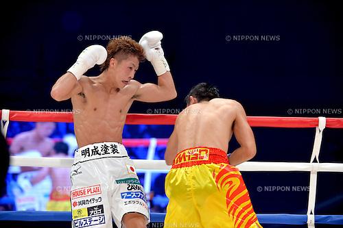 (L-R) Naoya Inoue (JPN), Petchbarngborn Kokietgym (THA),<br /> SEPTEMBER 4, 2016 - Boxing :<br /> Petchbarngborn Kokietgym (Karoon Jarupianlerd) of Thailand in action against Naoya Inoue of Japan during the WBO super flyweight title bout at Sky Arena Zama in Kanagawa, Japan. (Photo by Mikio Nakai/AFLO)
