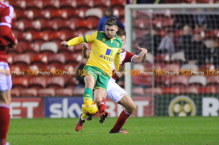 Gary Hooper of Norwich City battles with Ben Gibson of Middlesbrough - Middlesbrough vs Norwich City - Sky Bet League Championship Football at the Riverside Stadium, Middlesbrough - 04/11/14 - MANDATORY CREDIT: Steven White/TGSPHOTO - Self billing applies where appropriate - contact@tgsphoto.co.uk - NO UNPAID USE