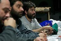 Bergarbeiterstreik in Spanien.<br />In dem Dorf Santa Cruz del Sil der Provinz Leon haben 8 Bergarbeiter am 21. Mai 2012  beschlossen, sich so lange in der Mine einzuschliessen, bis alle Mineros ihren vollen Lohn von der Firmenleitung erhalten. Die Firmenleitung hatte ihnen im Mai 2012 nur die Haelfte des Lohns ausgezahlt. Seit dem wird die Mine bestreikt.<br />Im Bild: Die eingeschlossenen Mineros in ihrem Aufenthaltsraum, 3.000 Meter weit im Berg.<br />3.7.2012, Santa Cruz del Sil/Asturien/Spanien<br />Copyright: Christian-Ditsch.de<br />[Inhaltsveraendernde Manipulation des Fotos nur nach ausdruecklicher Genehmigung des Fotografen. Vereinbarungen ueber Abtretung von Persoenlichkeitsrechten/Model Release der abgebildeten Person/Personen liegen nicht vor. NO MODEL RELEASE! Don't publish without copyright Christian-Ditsch.de, Veroeffentlichung nur mit Fotografennennung, sowie gegen Honorar, MwSt. und Beleg. Konto:, I N G - D i B a, IBAN DE58500105175400192269, BIC INGDDEFFXXX, Kontakt: post@christian-ditsch.de.<br />Urhebervermerk wird gemaess Paragraph 13 UHG verlangt.]