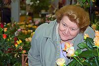 British actress Patricia Routledge with roses