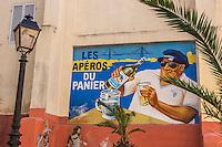 France, Bouches-du-Rhône (13), Marseille, capitale européenne de la culture 2013, quartier du Panier, Vieille publicité pour un apéritif // France, Bouches du Rhone, Marseille, european capital of culture 2013, Panier District,  Old advertisement for an aperitif