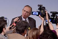 Roma, 18 Maggio 2015.<br /> Il Ministro Pier Carlo Padoan con i giornalisti.<br /> Conferenza stampa a Palazzo Chigi al termine del Consiglio dei Ministri sul decreto per i rimborsi delle pensioni.