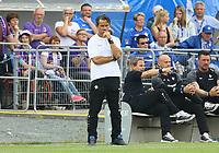 Trainer Dirk Schuster (SV Darmstadt 98) besorgt - 13.05.2018: SV Darmstadt 98 vs. FC Erzgebirge Aue, Stadion am Boellenfalltor, 34. Spieltag 2. Bundesliga
