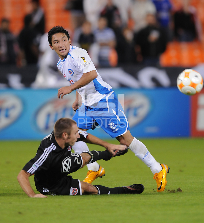 CD Cruz Azul midfielder Cesar Villaluz (18) make a pass while cover by DC United midfielder Graig Thompson (28). CD Cruz Azul defeated DC United 1-0 ,  in the first leg of the group A of the Concacaf Champions League, Wednesday October 1st, 2008 at RFK Stadium.
